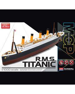 Academy 14217 British Passenger Liner RMS Titanic 1/1000 Scale Plastic Model Kit