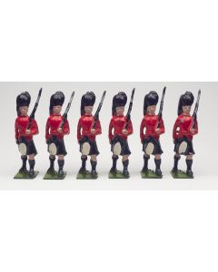 William Britain Black Watch Advancing Vintage Toy Soldier Set Made in England