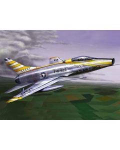 Trumpeter 1649 North American F-100D Super Sabre 1/72 Scale Plastic Model Kit